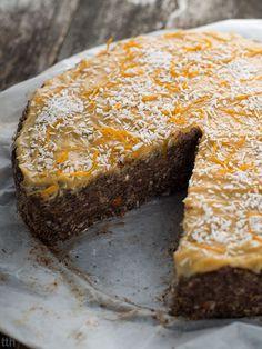Nutty poppy-seed cake with millet porridge and chia (vegan, gluten-free, sugar-free) Raw Desserts, Vegan Dessert Recipes, Cake Recipes, Healthy Recipes, Chia Vegan, Polish Recipes, Batch Cooking, Vegan Cake, Vegan Treats