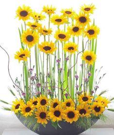 Contemporary Flower Arrangements, Creative Flower Arrangements, Church Flower Arrangements, Altar Flowers, Church Flowers, Flower Vases, Sunflower Floral Arrangements, Floral Centerpieces, Fruit Flower Basket