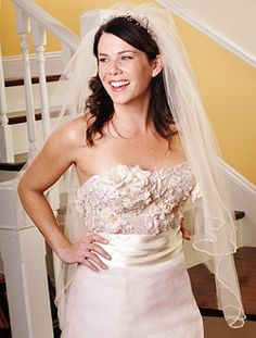 i know this is gilmore girls, but i love this bodice.
