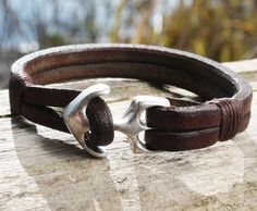 Brown Buffalo Leather Bracelet with an Anchor Clasp 1 Leather Bracelet Tutorial, Black Leather Bracelet, Leather Art, Leather Cuffs, Leather Necklace, Leather Jewelry, Metal Jewelry, Leather Bracelets, Brown Leather