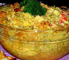 broileripastasalaatti Finnish Recipes, Good Food, Yummy Food, Savory Snacks, Food Festival, Holidays And Events, Guacamole, Macaroni, Cabbage