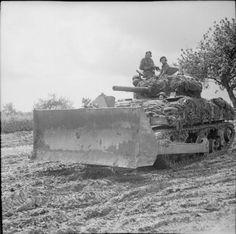 BRITISH ARMY NORMANDY 1944 (B 6371)   Sherman dozer tank, 4 July 1944.