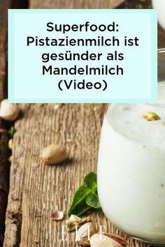 REZEPT: Pistazienmilch ist der neue große Superfood-Trend! Warum sie gesünder ist als Mandelmilch, verraten wir jetzt im ELLE-Video! #pistazien #vegan #milchersatz #ernährung #gesundheit Elle, Food Trends, Superfood, Glass Of Milk, Healthy Recipes, Vegetarian Recipes, Proper Tasty, Almond Milk, Food Planner