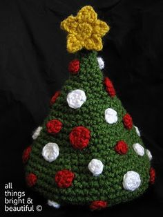#Crochet Christmas Tree Baby Beanie - OMG must make! Then must find baby to wear, and love on.