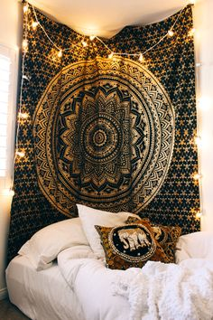 Mandala Tapestry wall Hangings is perfect for bohemian bedroom & living room. Mandala Tapestry is used as beach blanket & throw in summer. Decor your dorm with hippie Indian Mandala Tapestry. Mandala Tapestry is for sale at best price. Hippy Bedroom, Hippie Bedroom Decor, Deco Zen, Tapestry Bedding, Dorm Room With Tapestry, Rooms With Tapestries, Cheap Tapestries, Home Decoracion, Zen Room