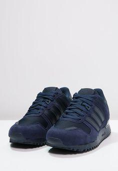 Die setzen in jedem Outfit starke Akzente. adidas Originals ZX 700 - Sneaker low - collegiate navy für SFr. 115.00 (17.04.16) versandkostenfrei bei Zalando.ch bestellen.