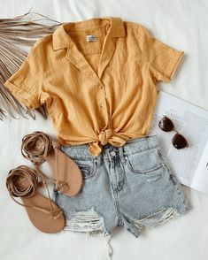 Outfit of the day inspiration Teen Fashion Outfits, Look Fashion, Outfits For Teens, Girl Outfits, Fashion Women, Street Fashion, Flat Lay Fashion, Trendy Summer Outfits, Cute Casual Outfits
