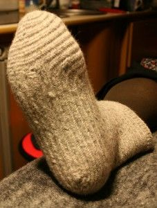 Naalbinding socks, showing a different method for constructing the foot. From TroHoppKärlek