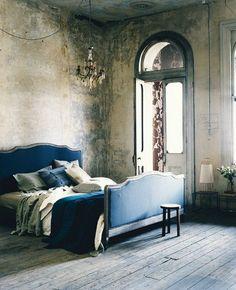 dramatic-bedroom-idea-8.jpg 500 × 616 bildepunkter