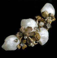 Beaded Jewelry, Jewelry Box, Vintage Jewelry, Jewellery, Miriam Haskell, Find Objects, Pearl Brooch, Headpiece Wedding, Clay Earrings