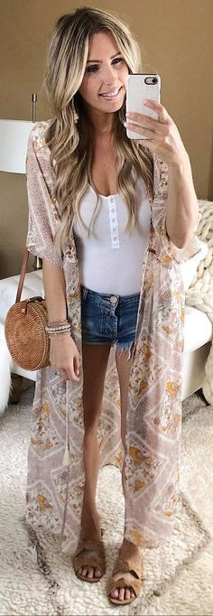 Don't worry, you can still look gorgeous during the cold winter months. Hot Outfits, Pretty Outfits, Spring Outfits, Fashion Wear, Boho Fashion, Fashion Outfits, Street Style Summer, Weekend Outfit, Spring Summer Fashion
