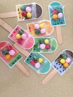 ארטיק מסטיק שוקולד בננה התחלתי השנה ללמד כיתה א'. זו פעם ראשונה שאני מחנכת כיתה (או מחנכת ילדים של אחרים בכלל....) זה היה יום מרגש... Kids Crafts, Summer Crafts For Kids, Preschool Crafts, Diy For Kids, Gifts For Kids, Diy And Crafts, School Gifts, Student Gifts, Candy Crafts