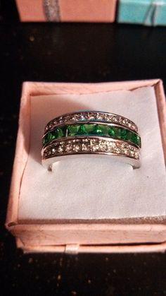 10k WGF Lab Emerald & White Topaz. Starting at $5 on Tophatter.com!