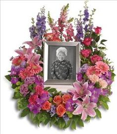 In Memoriam Wreath Funeral Flowers, Sympathy Flowers, Funeral Flower Arrangements from San Francisco Funeral Flowers.com Search for chinese funeral, sympathy funeral flower arrangements from our SanFranciscoFuneralFlowers.com website. Our funeral and sympathy arrangements include crosses, casket covers, hearts, wreaths on wood easels, coronas fúnebres, arreglos fúnebres, cruces para velorio, coronas para difunto, arreglos fúnebres, Florerias, Floreria, arreglos florales, corona funebre…