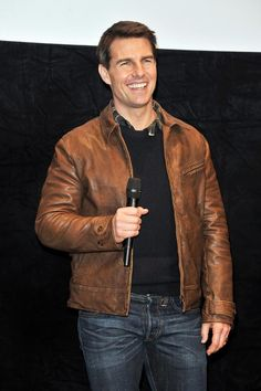 Brown Leather Jacket Men, Leather Men, Leather Jackets, Tom Cruise Birthday, Formal Shirts For Men, Cruise Outfits, Jackett, Stylish Men, Cool Outfits