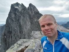 Trollveggen, the Troll Wall in Norway is one of the highest vertical cliffs in the World. Here's @Nilso who ran all the way to the top.