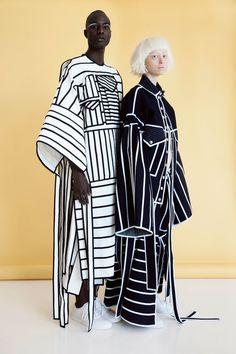 Fashion Show Invitation Ideas Haute Couture Ideas For 2019 Fashion Details, Look Fashion, Runway Fashion, Fashion Art, High Fashion, Womens Fashion, Fashion Trends, Paper Fashion, Ankara Fashion