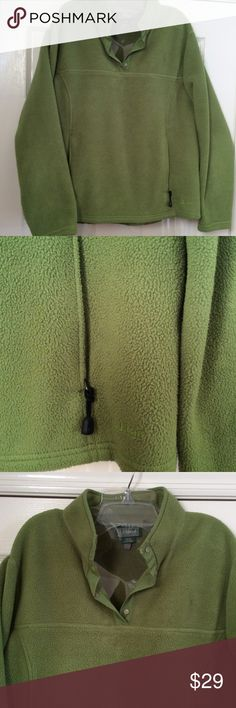 LL Bean ladies fleece top size 1X Warm and cozy ladies fleece top, gently used in excellent condition LL Bean Tops