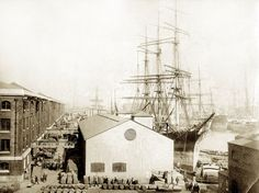 Vintage London, Old London, London Street, London Life, Great Photos, Old Photos, London Docklands, Old Sailing Ships, The Porter