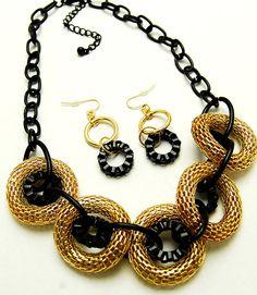 collar de perlas-distribución de bisutería abalorios y complementos moda