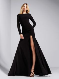 Bardzo seksowna czarna suknia koktajlowa