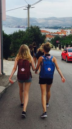 good friends. #travel  #womensfashion