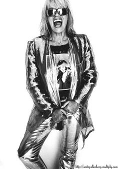 silver suit metallic Anita Pallenberg for Italian Glamour Anita Pallenberg, Italian Actress, Rock Chic, Keith Richards, Lady And Gentlemen, Back To Black, Vintage Beauty, Pop Fashion, Rolling Stones