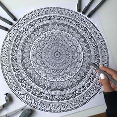Mandala Art Therapy, Mandala Art Lesson, Mandala Artwork, Mandala Painting, Mandala Dots, Mandala Pattern, Mandala Design, Easy Mandala Drawing, Doodle Art Drawing