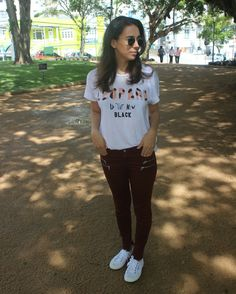 Nanda Pezzi - Look do dia: tshirt + calça skinny + tênis branco Superga