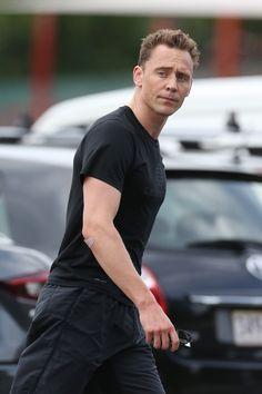 Tom Hiddleston Loki, Thomas William Hiddleston, Chris Hemsworth, Beautiful Boys, Gorgeous Men, Behind Blue Eyes, Man Thing Marvel, Loki Laufeyson, Sexy Men