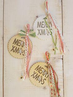 Χριστουγεννιάτικα γουρια και στολίδια artindustry