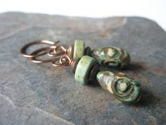 e.s. designs created these polymer clay earrings using the Rustic Beads and Components Tutorial from The Blue Bottle Tree