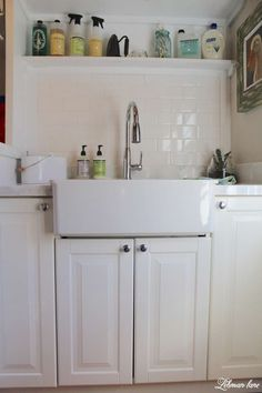 Laundry Room - Tiling and Organziation - sink and cabinets, white subway tile and carrara marble tile counters Laundry Room Utility Sink, Laundry Room Tile, Farmhouse Laundry Room, Room Tiles, Laundry Room Organization, Laundry Room Inspiration, Diy Wood Projects, Simple House, Tile Counters