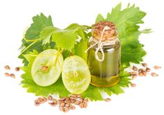 Gentle skin care tips with grape seed oil Essential Oil Carrier Oils, Best Essential Oils, Essential Oil Blends, Quit Smoking Essential Oils, Essential Oils For Psoriasis, Healthy Oils, Oil Benefits, Vitis Vinifera, Seed Oil