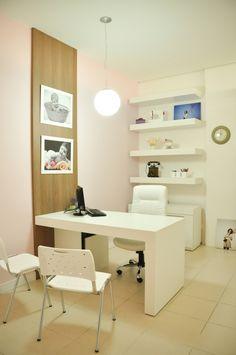 Office Cabin Design, Home Office Furniture Design, Small Office Design, Doctors Office Decor, Medical Office Decor, Clinic Interior Design, Clinic Design, Corporate Office Decor, Small Home Offices