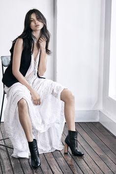 ELLE Australia - Fashion Trends, Beauty Tips, Runway & Celebrity News Jenner Hair, Luxury Beauty, Celebrity News, Wilderness, Pop Culture, Whimsical, Beauty Hacks, Photographs, Editorial