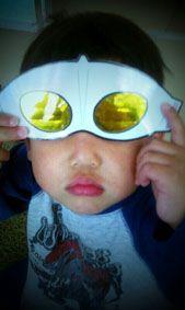 金環日食メガネ。。。ウルトラマン!