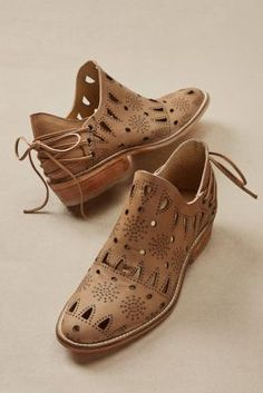 Tooled stars and open cutwork bring texture and surprise to these leather booties, laced up the back for a feminine flourish. * Click image to read more details. Leather Booties, Leather Shoes, Cute Shoes, Me Too Shoes, Women's Shoes Sandals, Dress Shoes, Dress Clothes, Shoes Sneakers, Flat Shoes