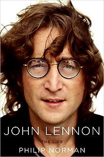 John Lennon: The Life by Philip Norman. John Lennon has always been my favorite Beatle so I had to pick this book up. Added bonus is all the stuff you learn about all the individual Beatles along the way. Yoko Ono, Ringo Starr, Paul Mccartney, Pop Rock, Rock And Roll, Jonh Lenon, The Beatles, Beatles Books, Beatles Photos