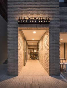 Gallery of YKH Associates HQ in Seoul / YKH Associates – 2 Galerie des Hauptsitzes von YKH Associates in Seoul / YKH Associates – 2 Cafe Signage, Storefront Signage, Restaurant Signage, Shop Signage, Outdoor Signage, Signage Design, Restaurant Design, Design Exterior, Exterior Signage