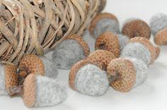 Deko-Objekte - Eicheln aus Filz Filzeicheln - ein Designerstück von FILZFORM bei DaWanda