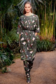 Hermès Spring 2014 Ready-to-Wear Collection Slideshow on Style.com #jungle #print