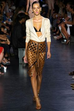 Altuzarra Spring 2015. See every look on Vogue.com.