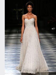 Schulterfreies Brautkleid mit Corsage und Spitzenapplikationen auf Oberteil und Rock. Strapless Dress Formal, Formal Dresses, Wedding Dresses, Rock, Fashion, Tops, Dress Wedding, Bridal Gown, Bridal Dresses