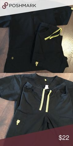 Black scrubs set Scrubs set size small. Leg pockets on one side only. (Spread Good Cheer) Other