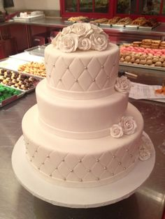 Simple and elegant 3-tier with sugar roses