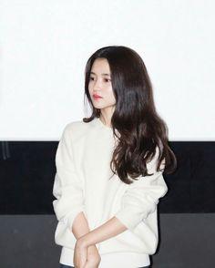 Korean Celebrities, Celebs, Cute Korean Girl, Daily Look, Model Photos, Pretty Woman, Autumn Winter Fashion, Korean Fashion, Hair Makeup