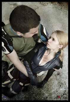 Florencia Muir as Jill Valentine and Jonathan Duran as Chris Redfield, Resident Evil 5
