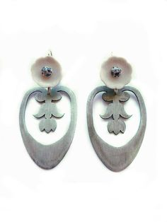 'Crown Jewels', porcelain, zinc, silver, 2012. By Malou Paul. www.maloupaul.nl