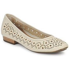 Airy and trendy, leather ballerina flats from Clarks